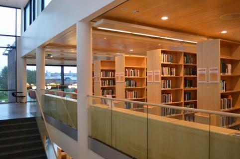 Header image  The Arctic University of Norway - University library